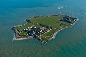 L'île de Tatihou et son fort Vauban www.ports-manche.fr